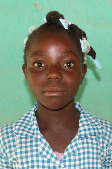 Lovena a sponsor child living in Haiti