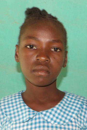 Roselanda a sponsor child living in Haiti